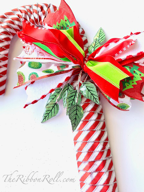 CANDY CANE RIBBON WREATH